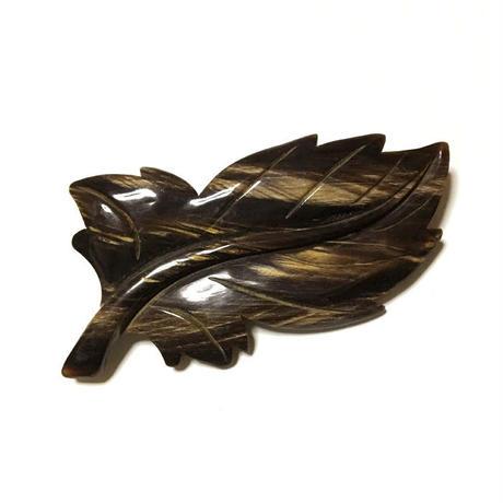 泉舟 作 水牛ブローチ 一枚葉3