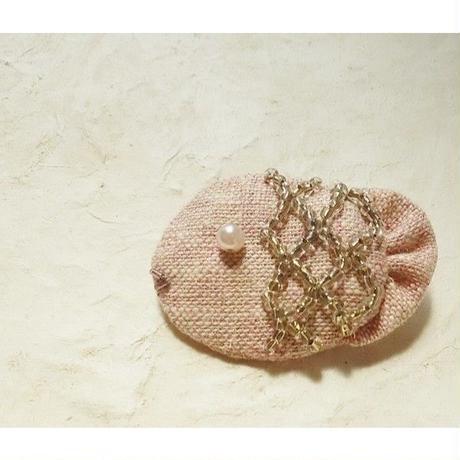 ピンクの深海魚ブローチ