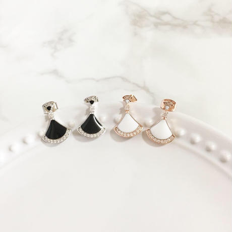 【即納】mini triangle pierce/black,white