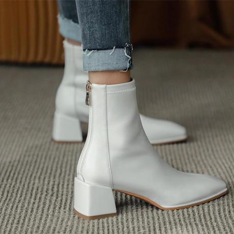Square toe short boots/white