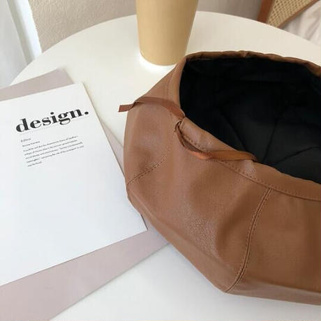 【即納】Faux leather Beret