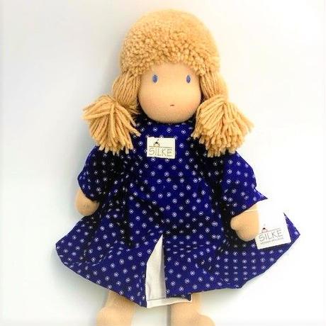 ジルケ人形(小)女の子  金髪青花ワンピース