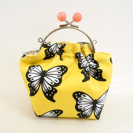 【 Cha-Cosy 】キャンディーがま口 ポーチ 黄 かあり柄 蝶 バタフライ