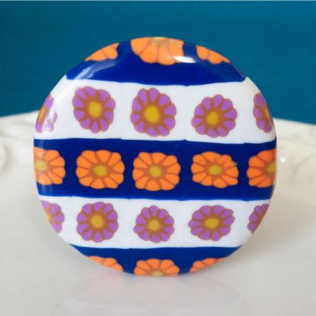 【 丸のレトロ 】チロリ風 花模様のブローチ no.1341B