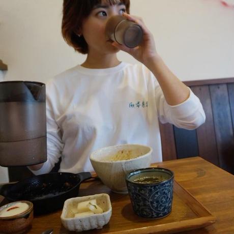 麻婆套餐 水飲みガール ロンT