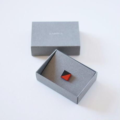 KAMIKA(カミカ) ピンブローチ pin brooch(black-orange)