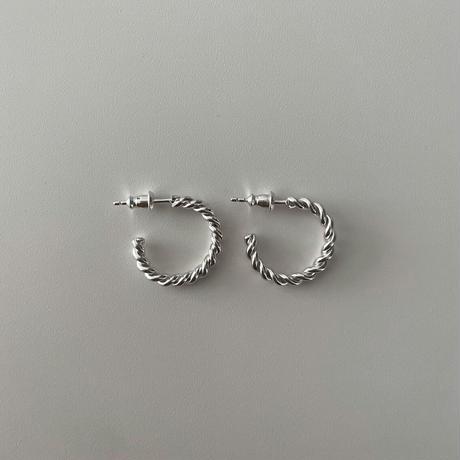 Silver Twist Hoop pierce