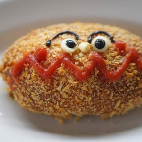 キャラクターパンと幸せチョコパン