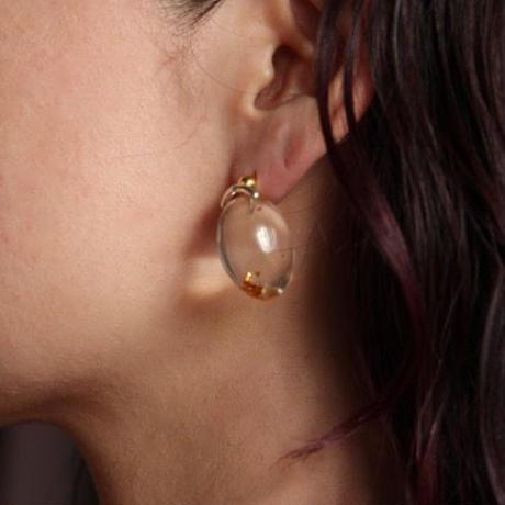 Lady's egg pierce