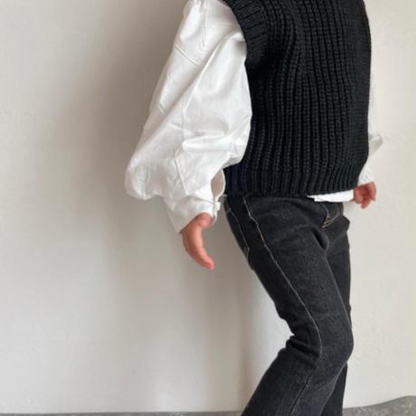 ボリューム袖白ブラウス