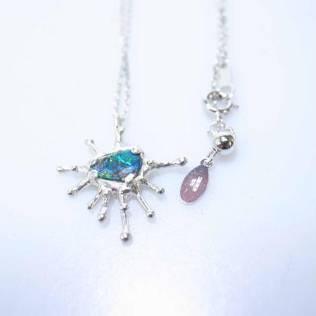 opal doublet pendant 0.44