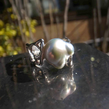 south sea pearl ring  silverwhite