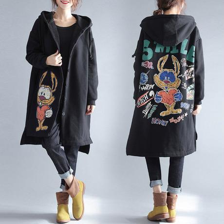 大きいサイズ ゆる感が可愛い☆フード付きロングコート マンガ柄 パーカーコート 裏起毛 秋冬 F 黒 ロゴ ワッペン