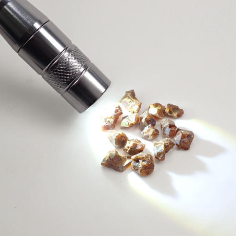 【宝石商の道具】ペンライト(原石向け)・原石2点セット
