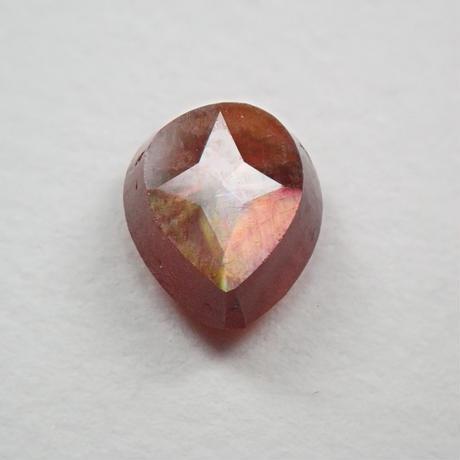 【5/29掲載】アンドラダイトガーネット(通称名 レインボーガーネット) 0.720ct原石