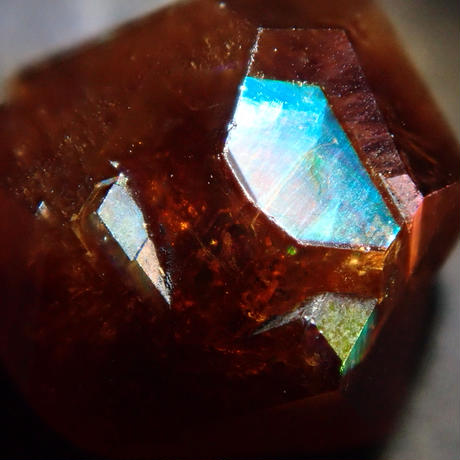 【2/13掲載】アンドラダイトガーネット(通称名 レインボーガーネット) 2.501ct原石