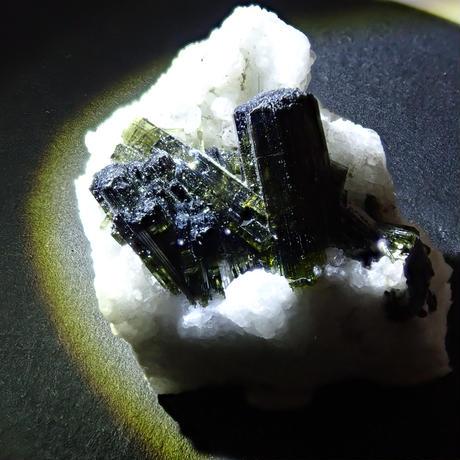 【5/29掲載】トルマリン 50.120ct 原石・ルースセット