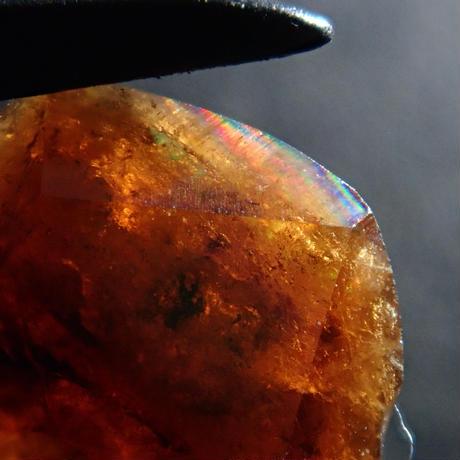 【4/11更新】アンドラダイトガーネット(通称名 レインボーガーネット) 1.404ct原石
