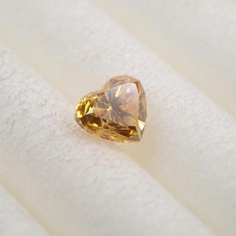 【5/7掲載】イエローダイヤモンド 0.092ctルース(FANCY DEEP ORANGY YELLOW, I1)