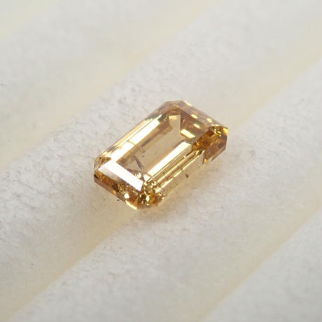 【5/7掲載】イエローダイヤモンド 0.206ctルース(FANCY DEEP ORANGY YELLOW, SI2)
