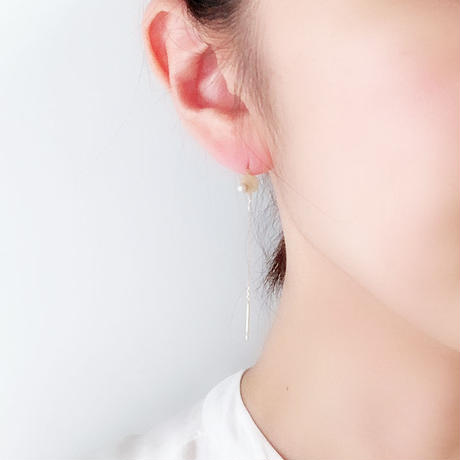 CIRCLE LONG EARRING