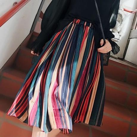 プリーツ柄スカート
