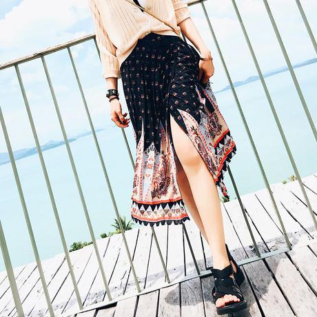 スリットプリーツスカート
