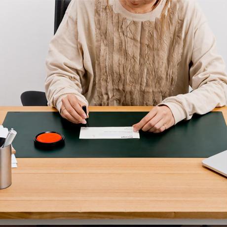 """MIWAX(ミワックス)""""The Desk Mat / デスクマット"""""""