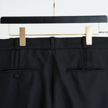 ANKLE CUT PINTUCK FLARE PANTS(BLACK)