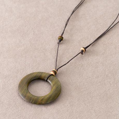 木の環のネックレス