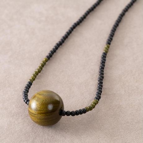 3ウェイで使える木玉のネックレス