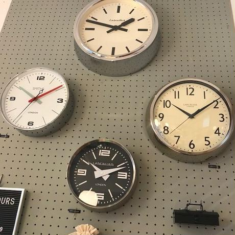 lascelles(RETRO WALL CLOCK)