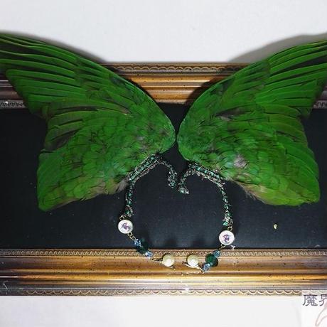インコの翼イヤーフック(大・深緑)