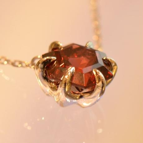Garnet Necklace (iro-014 Pt900)