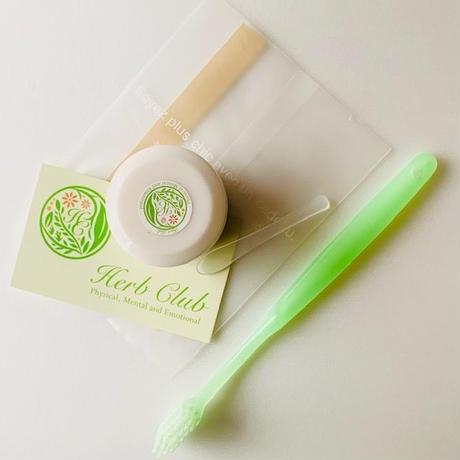 🌱  薬草ハーブのエキスたっぷり「ハーブ歯磨きクリーム」