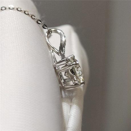 天使の恋人ペンダントネックレス 18 18k ホワイトゴールドブリリアントカット 1 カラットダイヤモンド D カラーモアッサナイト結のビーズのネックレスチェーン