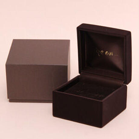 K10ホワイトゴールド(WG)ラグジュアリ・ダイヤモンド・リングタイプピアス