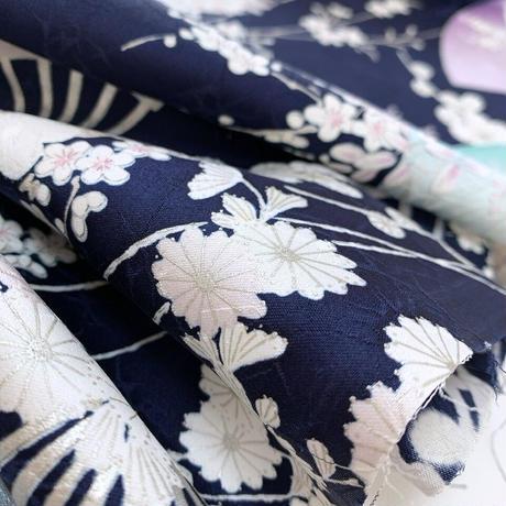 流れ扇に草花模様【タックラップスカート】