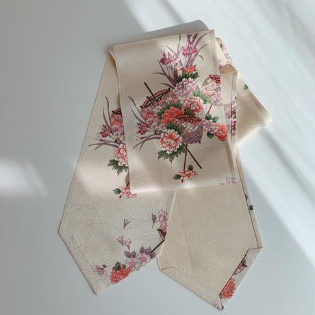 銀金糸通し糸巻きと古典草花模様金糸総地紋【長】