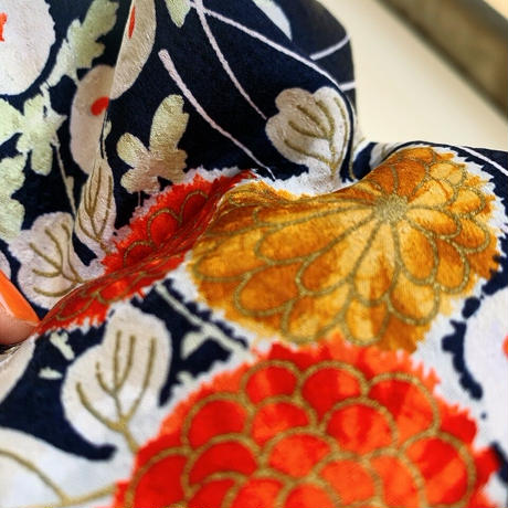 総地紋菊模様