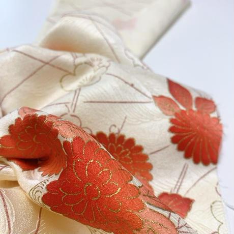 梅に菊総波地紋模様【タックラップスカート】