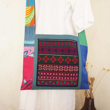 アカ族(タイ)伝統の手刺繍入りショルダー(A)
