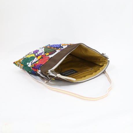 082|cut 布のかけらを集めたポーチ(Kenya)