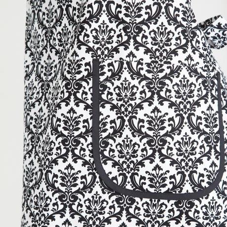 cajilence apron ダマスク 柄大き目 ブラック