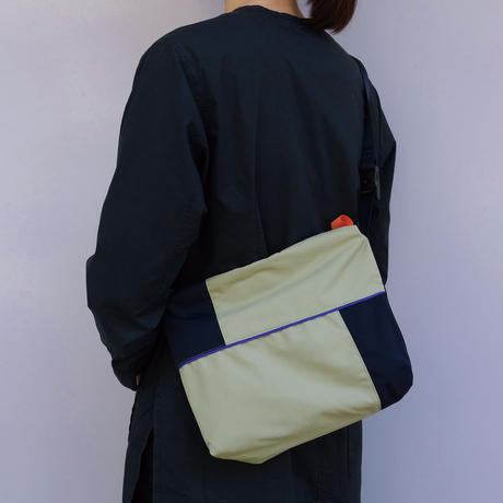 2c shoulder(サンド・ブラック)