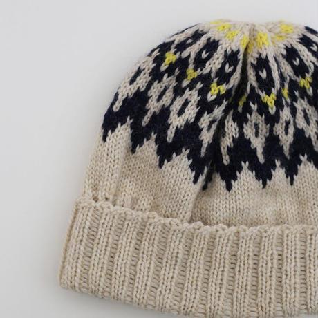 ノルディックパターンの編み込み帽 (daruma) kit