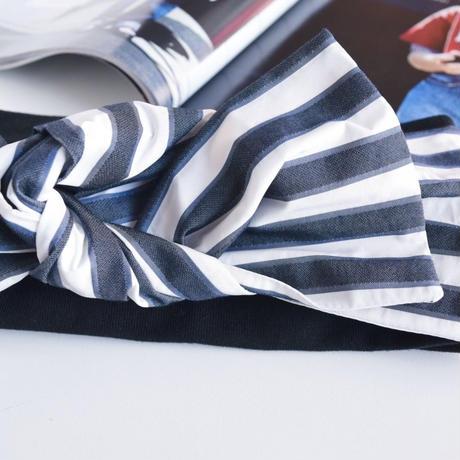 ribbon turban / gray white border × T-shirt black