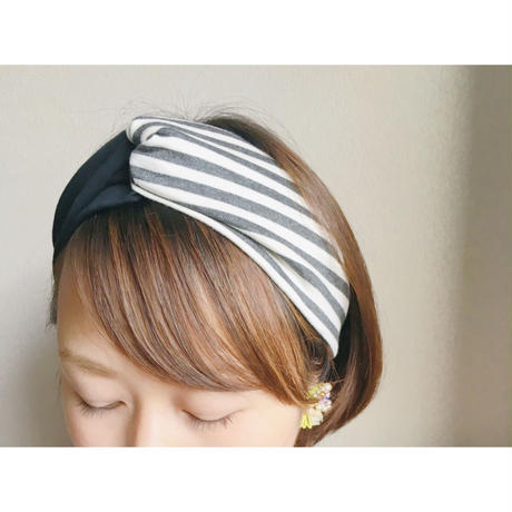 T-shirt turban / gray border x black / cross hairband
