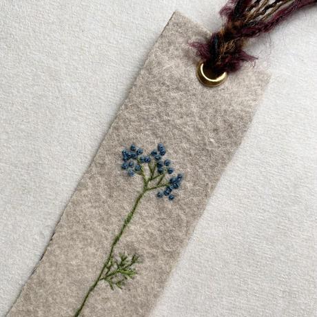 刺繍栞・青小花