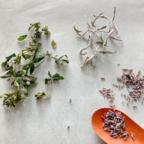 喜びが満ちる 香りの植物のちから  -わたしをめぐり わたしをひらく アロマテラピー講座-